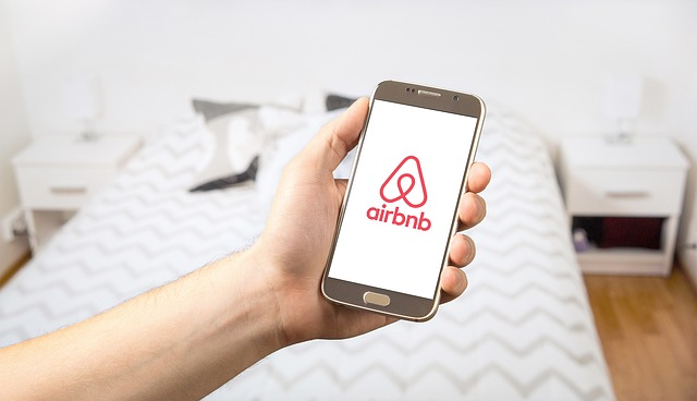 How This Business Strategy Took Airbnb From 0 to (A LOT)